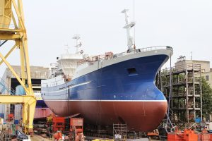 Fabricating Steel Plates for Shipbuilding